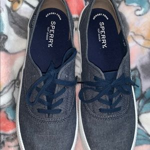 Sperry Shoes - Never worn Women's Navy Sperry Top-Sider Size 9